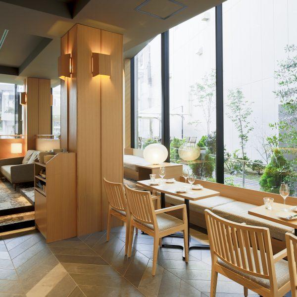 KMB daytime lounge lunch minimalist oak and gray