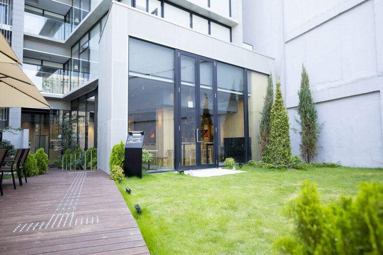 green lawn terrace kmb yard