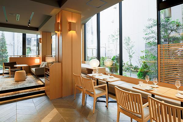 KMB daytime lounge