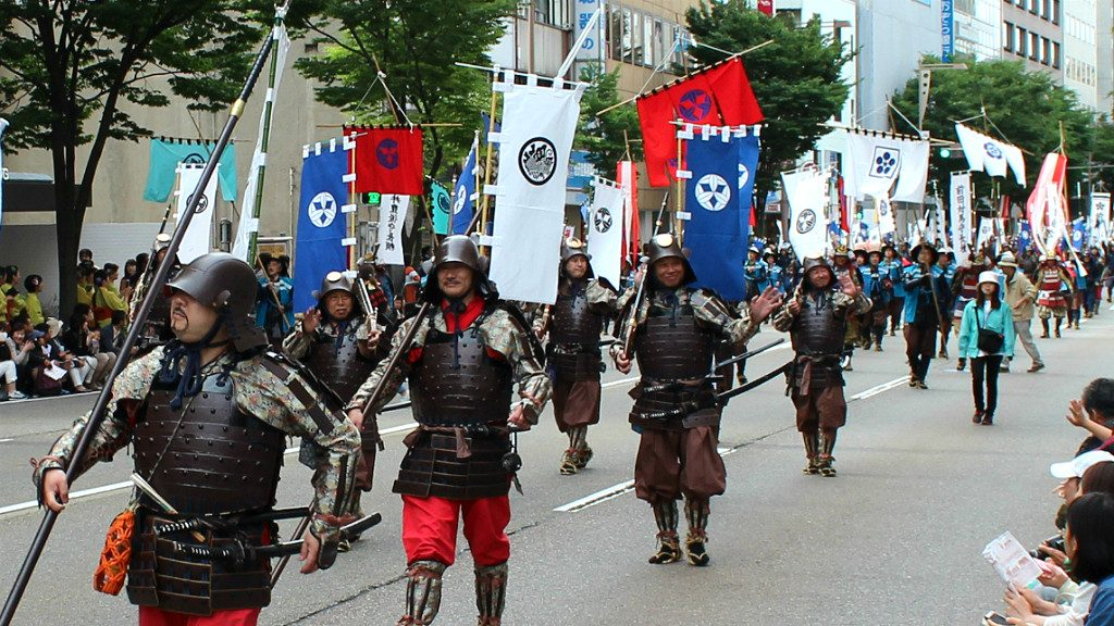 bannermen of toshiie maeda at the hyakumangoku festival parade