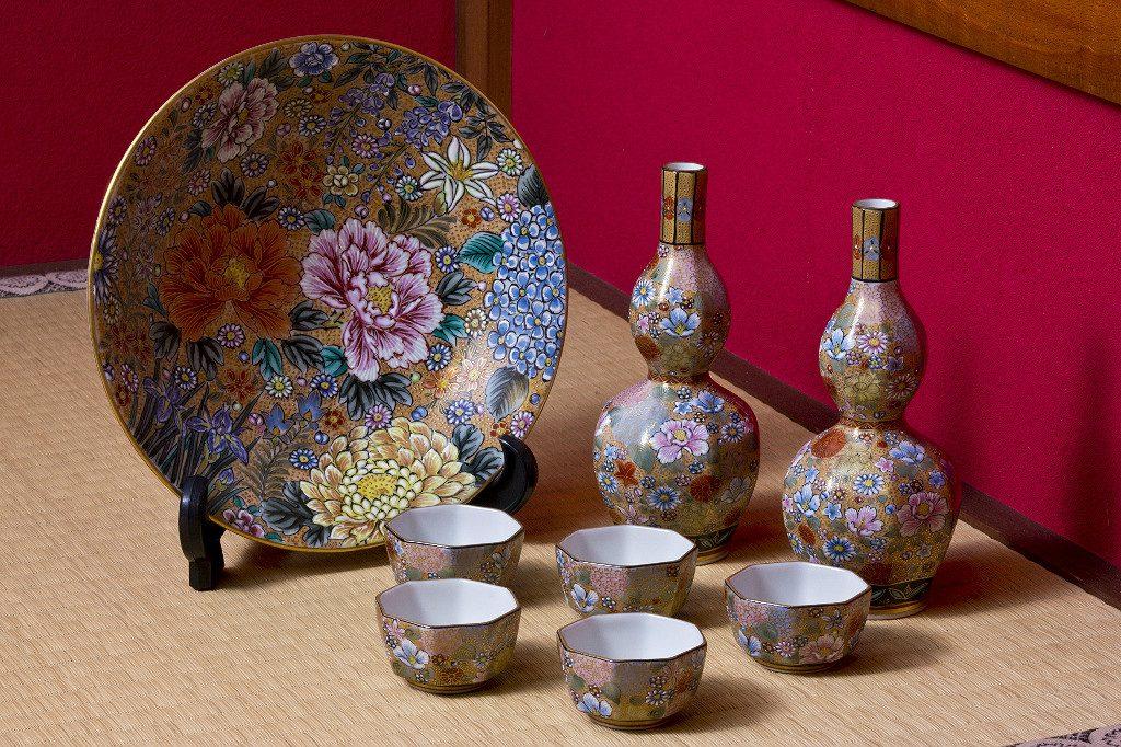 Kutani Pottery set, courtesy of the City of Kanazawa