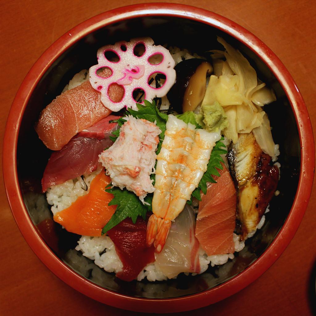 Kourin Sushi's chirashi bowl, in Kanazawa