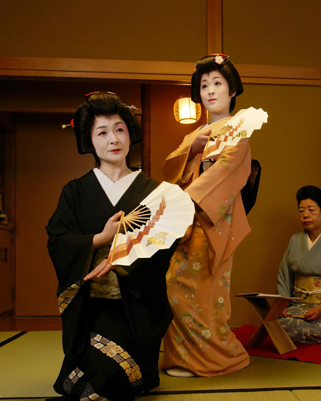 Dancing geiko (geisha) of Kanazawa's Nishi Chaya District
