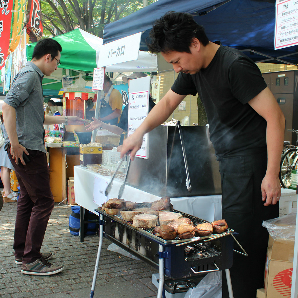 Barbecue is a hit at the Seseragi Marriage Festival street fair in Kanazawa, Japan