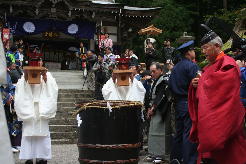 Doburoku offering and blessing in Shirakawago