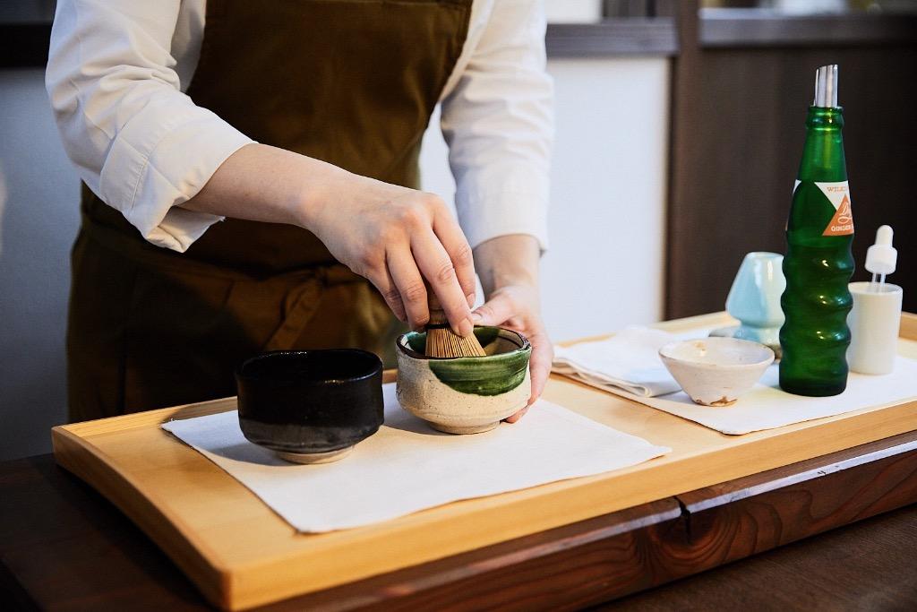 Ginger ale matcha tea, cold and refreshing, at YArn in Komatsu