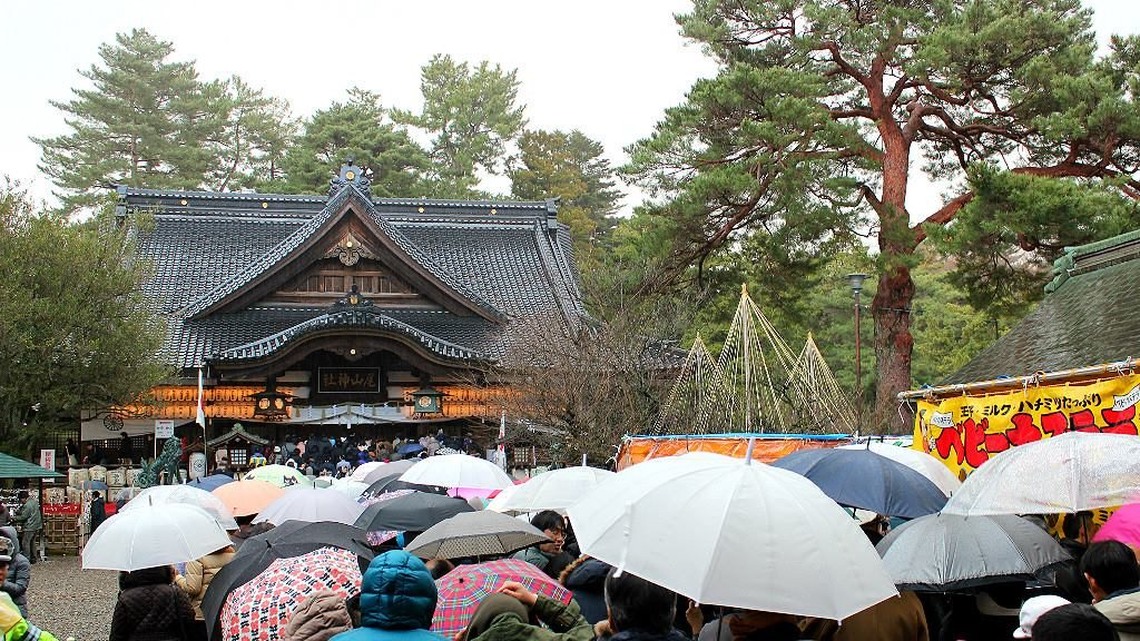 Oyama Shrine at New Year's, the busiest time of year, in Kanazawa, Japan