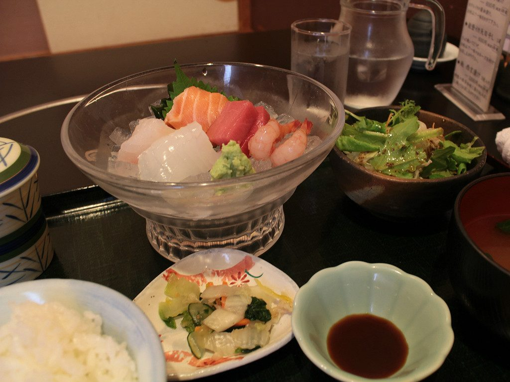 Sashimi lunch set at Haneya in Uchinada, Japan
