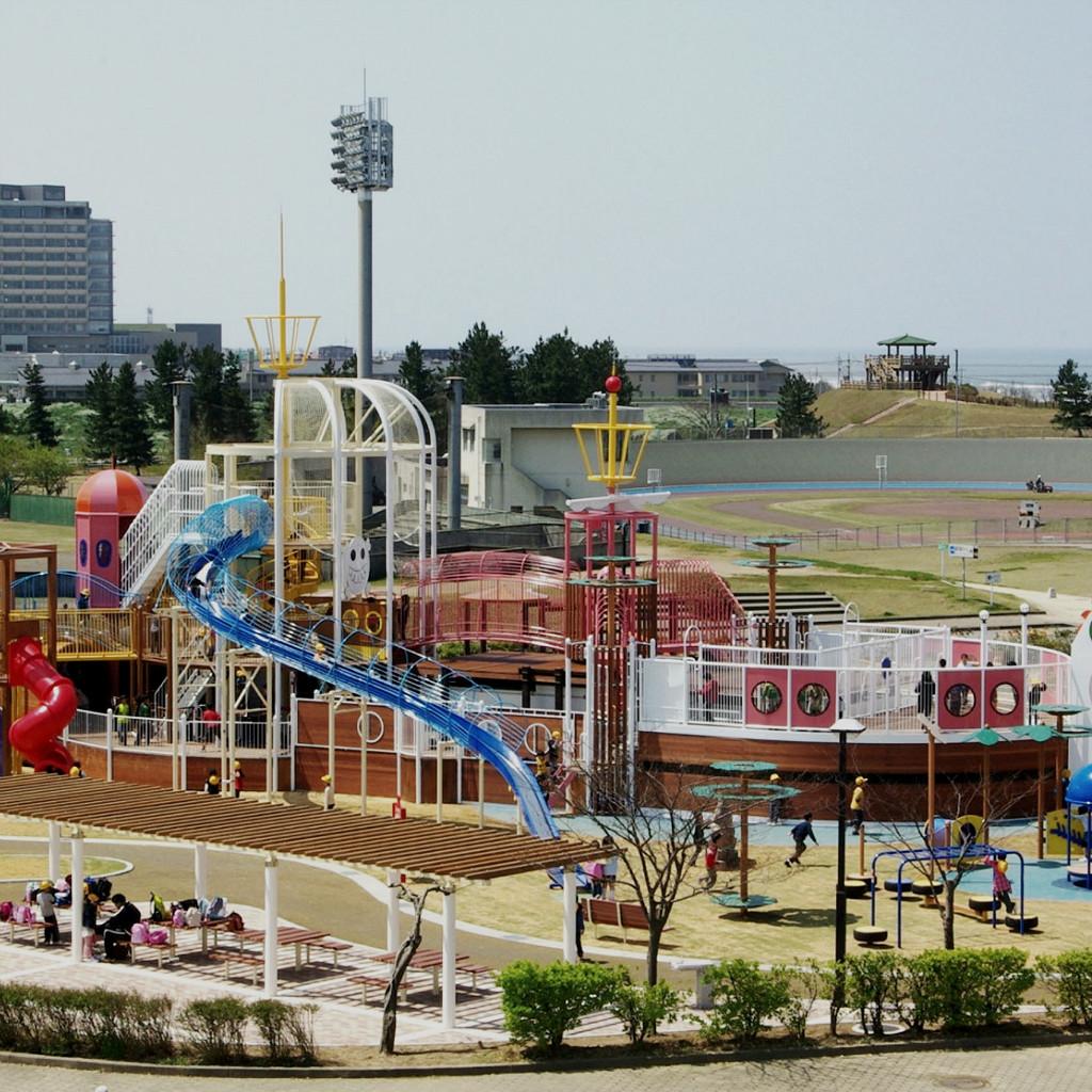 Giant Ship Playground at Uchinada, photo by Uchinada Tourism association