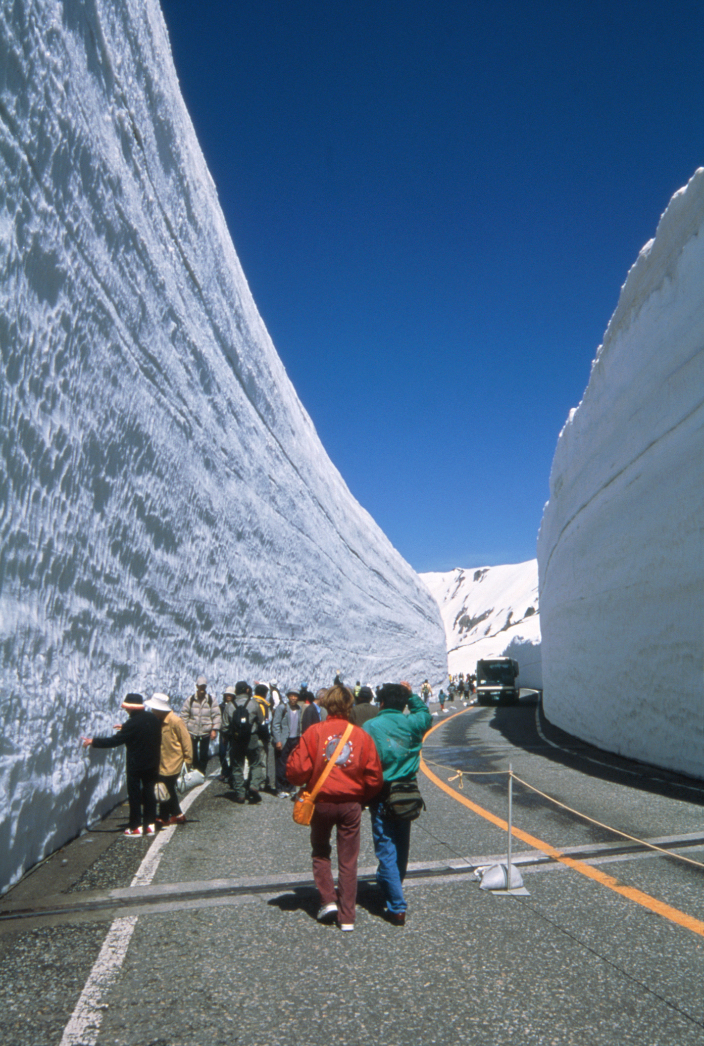 Tateyama Alpine Route Snow Wall, from April to June