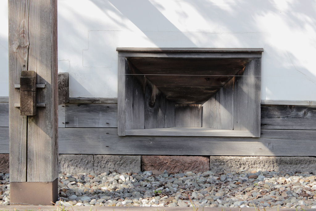 Wood framed insets could be easily punctured from the inside of the wall, allowing a quick response to attack with a hail of gunfire.